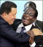 Robert_Mugabe_kissed_by_Chavez